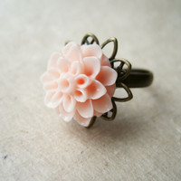 Peach Flower Ring. Chrysanthemum Ring, Adjustable Ring, Antique Brass Ring with Star Flower Filigree. Summer Trends. Flower Power.