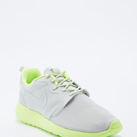 Nike Roshe Run Trainers in Grey and Lime Green - Urban Outfitters