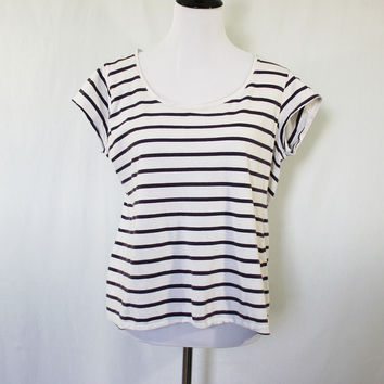 White and navy striped scoop neck shirt