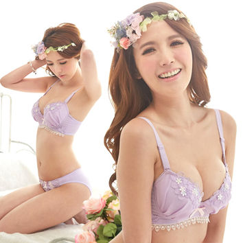 Cute Floral Embroidery Lace Frill Hem Bowknot 3-Hook Bra and Panty Set Lingerie
