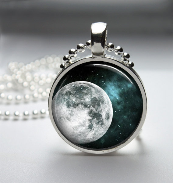 Round Glass Bezel Pendant Moon Pendant Moon Necklace With Silver Ball Chain (A3646)