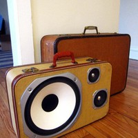 Vintage Beauty / Luggage as speaker