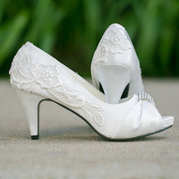 Ivory Wedding Shoes With Venise Lace Applique. Size 9