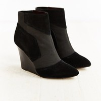 Report Iliana Wedge Boot - Urban Outfitters