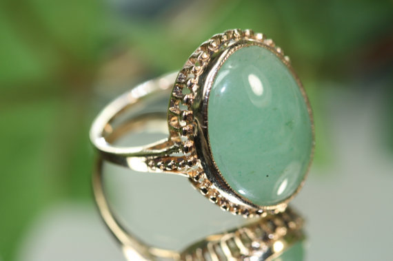 Vintage 10k Yellow Gold and Aventurine Ring