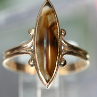 Ring- Vintage 10k YG and Agate Ring