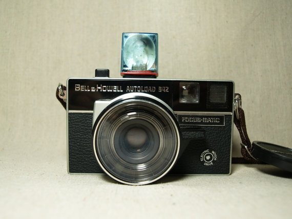 1960s BELL & HOWELL VINTAGE Camera Japanese Film Camera Autoload Model 342 Made in Japan in the 60s