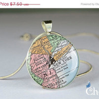ON SALE: vintage Newyork map photo charm,necklace pendants,old map pendant charms,art resin pendant- M0064CP