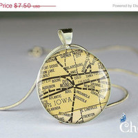ON SALE: art pendant charms,vintage Des Moines map resin pendants- M0040CP