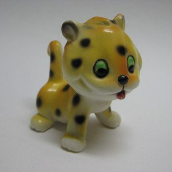 Cute Baby Spotted Leopard - figurine