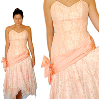 Vintage Dress -- Vintage Peach Party Dress-- Vintage Prom Dress -- Summer Fashion -- Lace, Sparkles, and Bows