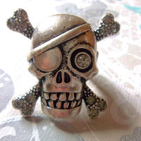 On sale Cool Chunky Skull and Crossbones Pirate Adjustable Ring in Silver Tone