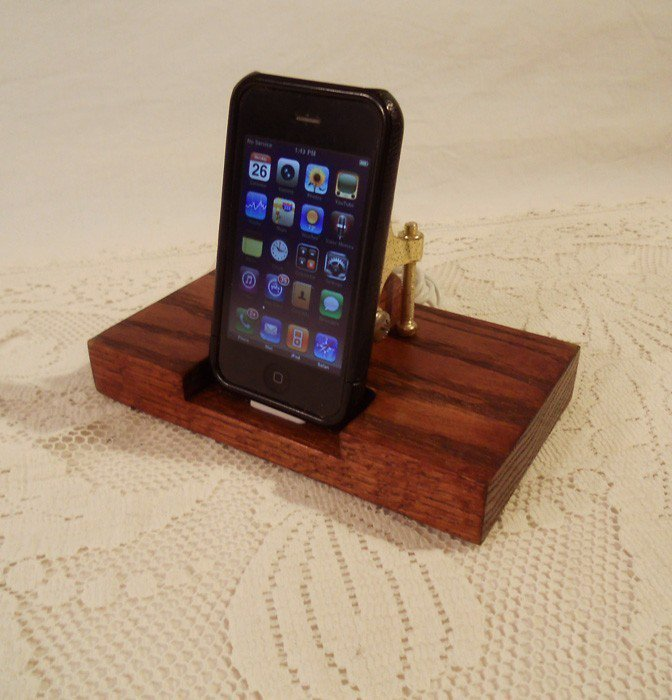 IPhone - IPod Dock -Charger And Syn.. on Luulla
