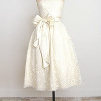Les Cornettes de Bise Gown [1950s Lace Full Wedding Dress] : Vintage Clothing, Vintage Dresses, ADOREVINTAGE.com, A vintage clothing boutique for the woman with discerning tastes