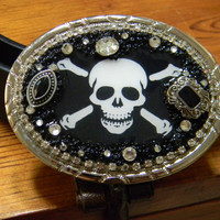 Skull and Crossbones Womens Belt Buckle