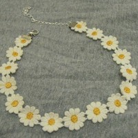 Hip Mall Vintage Choker Bib Collar Daisy Flower Lace Boho Hippy Necklace Popular for 80s 90s