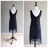 Lovely Vintage Black Bohemian Lace Sheath Dress w/ Fringe / Halloween 1920s Gatsby Flapper / Mad Men 1960s Pinup