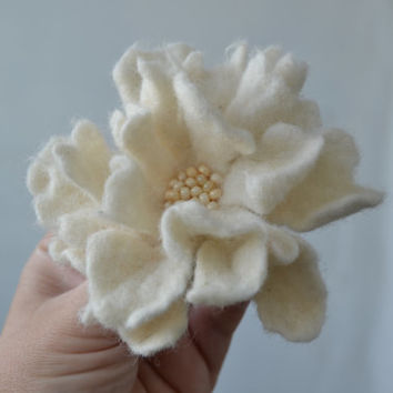 Felt Flower Wool Pin White, Floral Art Brooch, Handmade Corsage Statement Flower