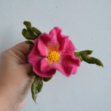 Pink Wild Rose Wool Felted Flower Pin, Handmade Accessory, Floral Decoration, Corsage Brooch,
