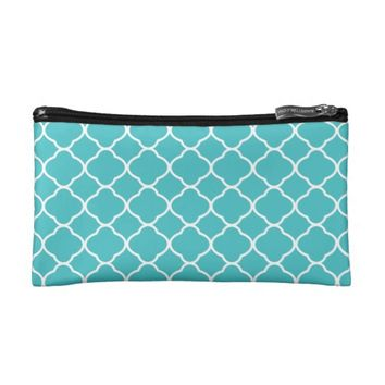 Pretty Turquoise and White Quatrefoil Pattern