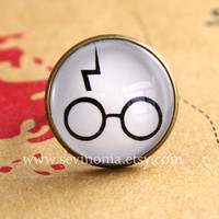 HARRY POTTER - Lightning Bolt Scar and glasses Symbol cameo ring, on sale