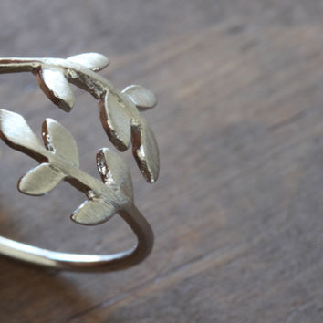 laurel bay leaf ring - silver adjustable ring silver plated minimalist