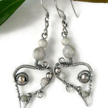 Dreamy silver earrings with peace jade