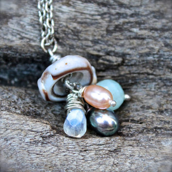 Puka Shell Necklace made in Hawaii - Seashell Jewelry from Hawaii - Gemstone, Pearl & Shell Jewelry - Hawaii Seashell Necklace Boho Jewelry