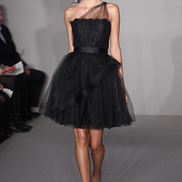 Google Image Result for http://magazine.zankyou.com/en/wp-content/uploads/2011/11/Alvina-bridesmaid-dress-Fall-2012.jpg