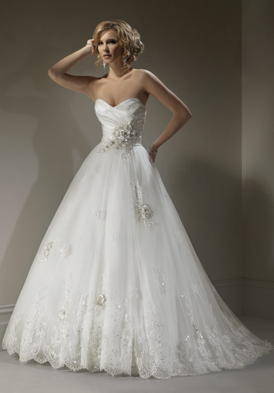 1900 by Casablanca Bridal