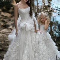 Gorgeous scoop neckline tulle wedding dresses PWD169