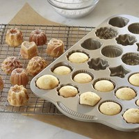 Teacake Plaque Pan $36