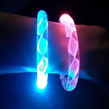 BeesClover 6PCS Fluorescence Stick / Electronic LED flash Bracelet / Light-emitting bracelet