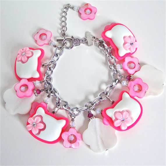 Kawaii Kitty charm bracelet with mother of pearl flower shaped beads - sweet lolita - pink, white - swarovski crystal