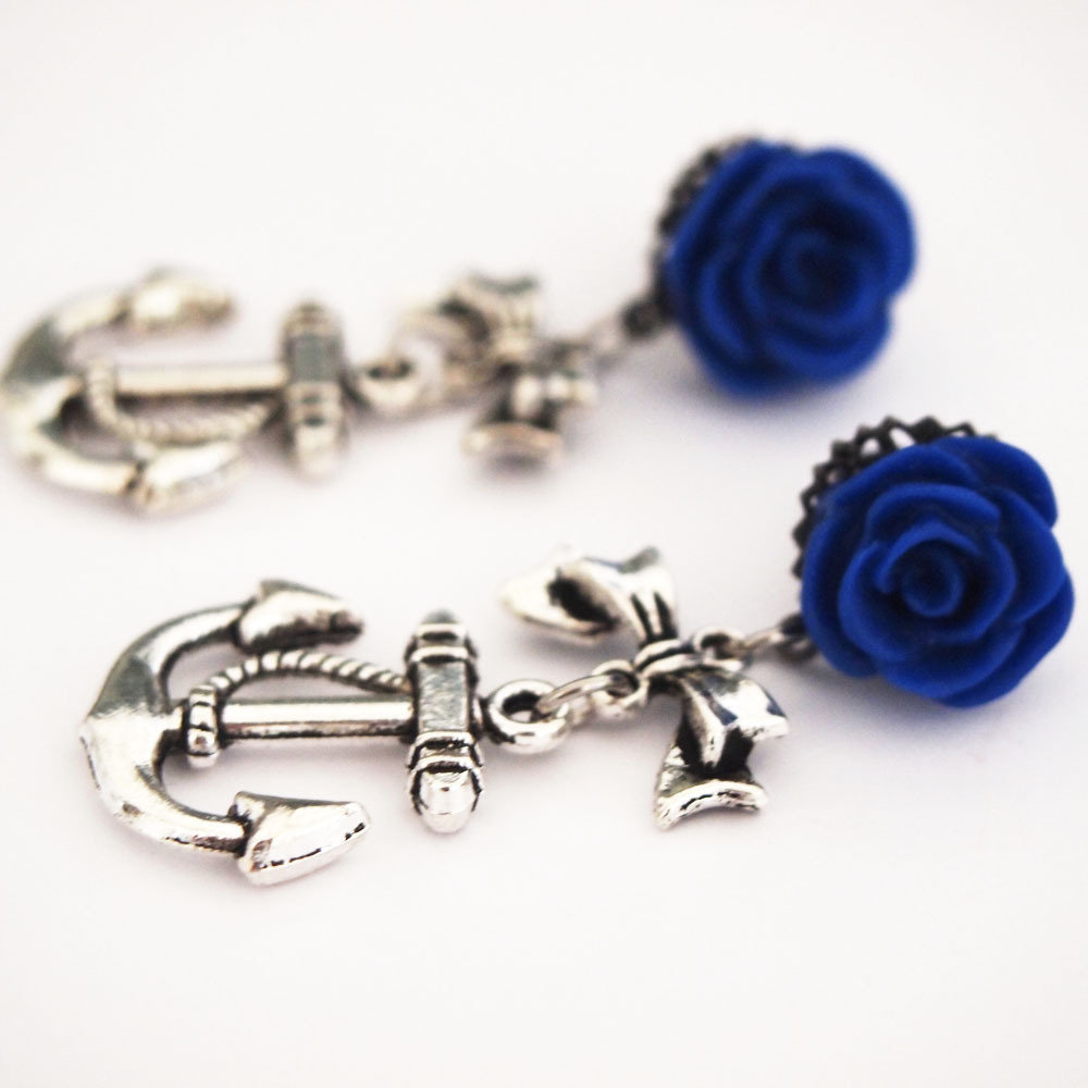 Glamsquared — 4mm 6g Sassy Sailor Steel Dangle Plugs