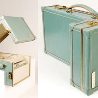 Williams British Handmade Luggage | Lovely Room