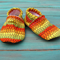 Baby Booties for the Baby in Your Family,  0-3 Months, in Colorful Perrot