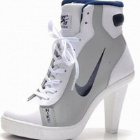 cheap nike dunks mid heels grey white