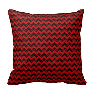 2015 Grad Chevron Pillow, Red-black