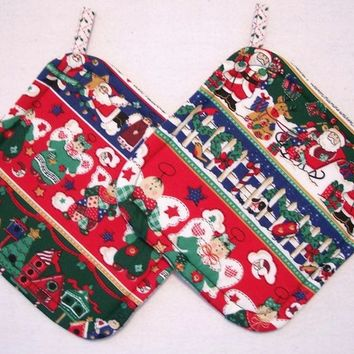 Christmas Holiday Pot Holders - Trivets - Hotpads -  Insulated Potholders - Red and Green - Set of 2