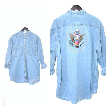 AMERICANA chambray shirt / vintage 80s ILLUMINATI symbolic embroidered relaxed fit denim top
