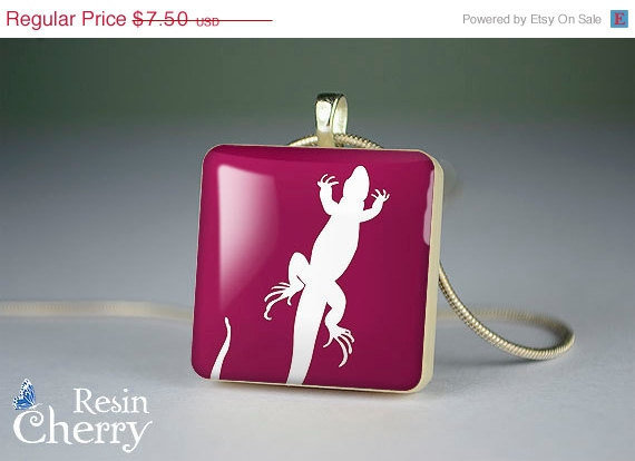 ON SALE: scrabble tile pendant, art jewelry pendant,lizard resin pendants,- A0145SI