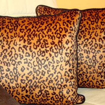 Leopard velvet 20x20 pillow cover – Piping luxury cushion