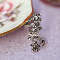 floral faire ring in pewter - &amp;#36;9.99 : ShopRuche.com, Vintage Inspired Clothing, Affordable Clothes, Eco friendly Fashion