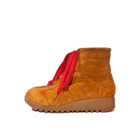 Vintage Winter Boots in Burnt Orange with Strawberry Laces for a Women's Size 9