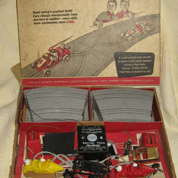1950-1960  GILBERT American Flyer   Auto-Rama WHICH-LANE Chicane  slot car race set