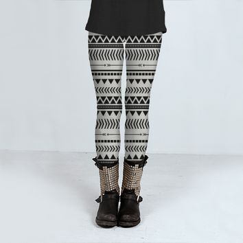 Black and white aztec by Allyson Johnson (Leggings)