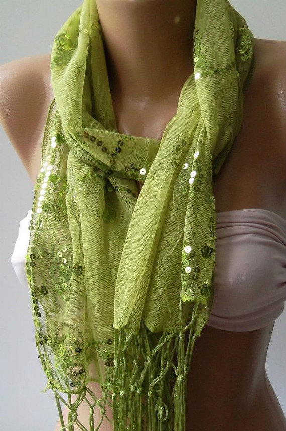 Green --- Elegance Shawl // Scarf with Lace Edge--