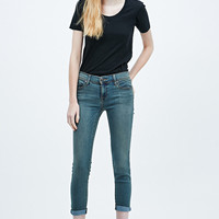Free People Roller Crop Skinny Jeans in Blue - Urban Outfitters