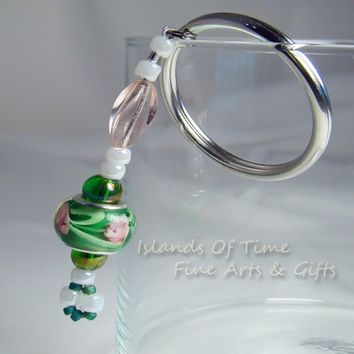 Pink Rose Art Glass Beaded Key Chain Green Beads / 1.25 Inch Key Rin